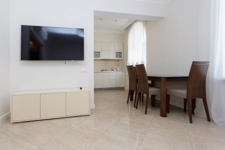 Minsk apartments in the center, Nezavisimosty 19, Living-room, view 3